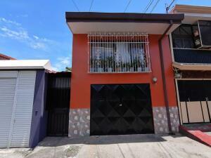 Casa En Ventaen Heredia Centro, Heredia, Costa Rica, CR RAH: 22-467
