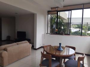 Apartamento En Ventaen Rio Oro, Santa Ana, Costa Rica, CR RAH: 22-468