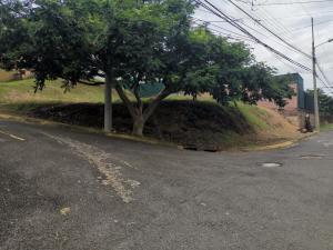 Terreno En Ventaen Brasil De Santa Ana, Santa Ana, Costa Rica, CR RAH: 22-509