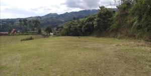 Terreno En Ventaen Capellades, Alvarado, Costa Rica, CR RAH: 22-536