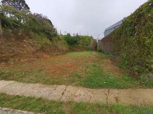 Terreno En Ventaen Capellades, Alvarado, Costa Rica, CR RAH: 22-543