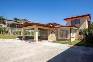 Casa En Ventaen Santiago, Puriscal, Costa Rica, CR RAH: 22-553