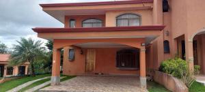 Casa En Ventaen Sabanilla, Montes De Oca, Costa Rica, CR RAH: 22-557