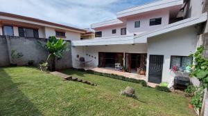 Casa En Ventaen Granadilla, Curridabat, Costa Rica, CR RAH: 22-558