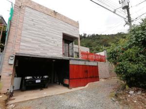 Casa En Ventaen Orosi, Paraiso, Costa Rica, CR RAH: 22-564
