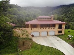 Casa En Ventaen Ciudad Colon, Mora, Costa Rica, CR RAH: 22-612