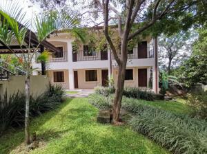 Hotel En Ventaen San Joaquin De Flores De Heredia, Flores, Costa Rica, CR RAH: 22-621