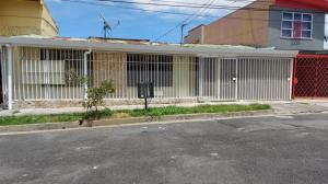 Casa En Ventaen Zapote, San Jose, Costa Rica, CR RAH: 22-657
