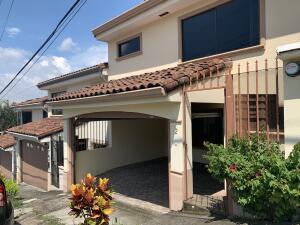 Casa En Ventaen Guachipelin, Escazu, Costa Rica, CR RAH: 22-688
