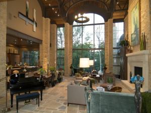 3020 Scioto Estates Court, Columbus, OH 43221