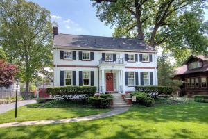 Beautiful, stately, south of First, Grandview colonial