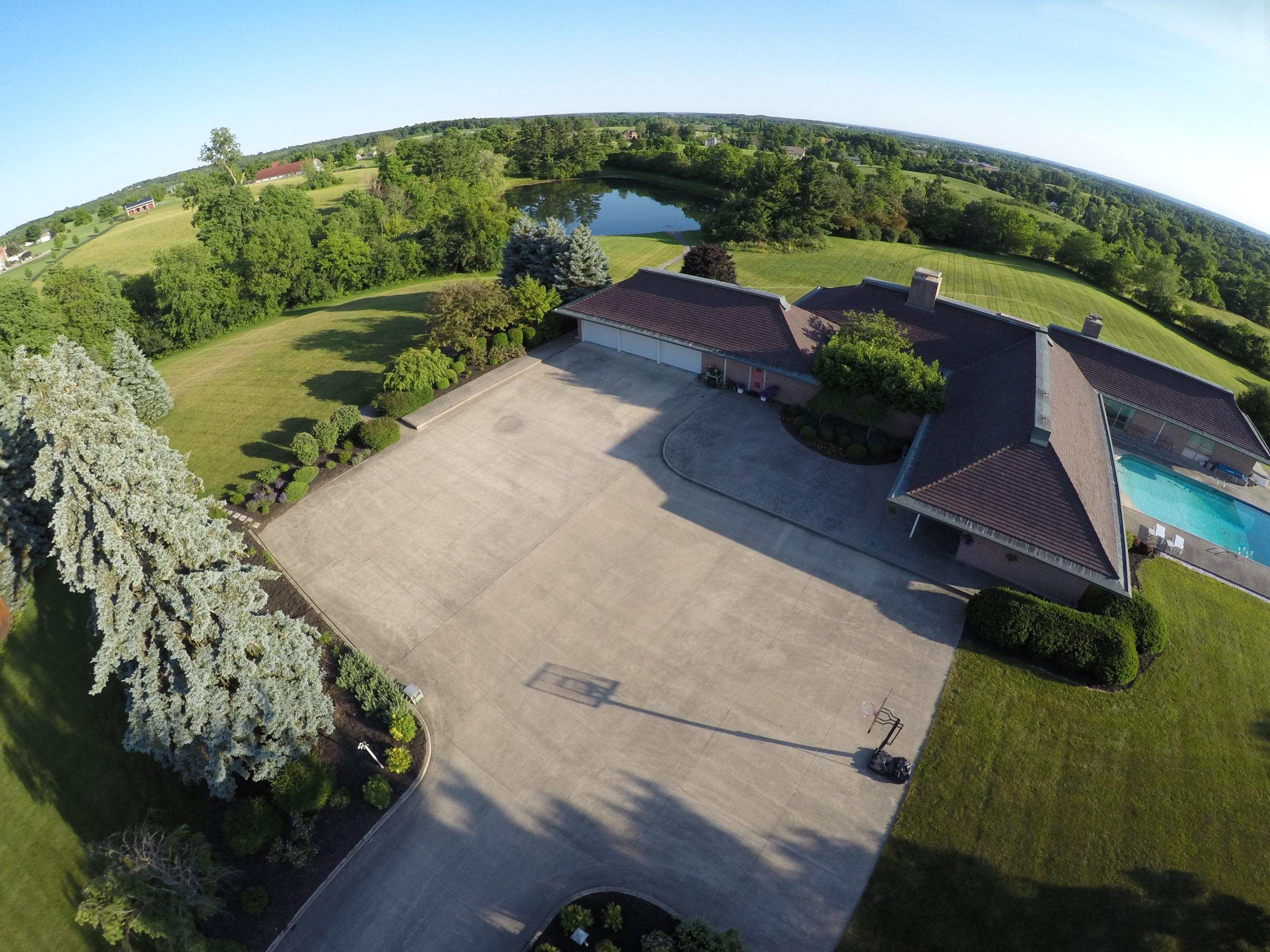 1100 County Road 10, Bellefontaine, Ohio 43311, 3 Bedrooms Bedrooms, ,5 BathroomsBathrooms,Residential,For Sale,County Road 10,216022259