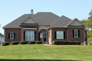 1979 Wilshire Lane NW, Lancaster, OH 43130