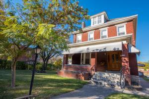 1802 W 3rd Avenue, Grandview Heights, OH 43212