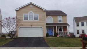 212 Autumn Leaves Way, Johnstown, OH 43031