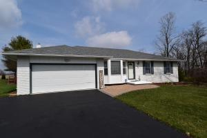 28 Imperial Drive SW, Pataskala, OH 43062