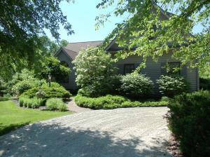 241 Ginder Road NW, Lancaster, OH 43130