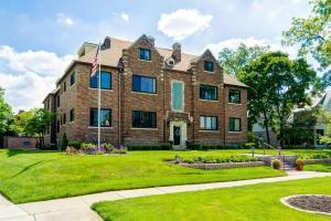2208 Arlington Avenue, Upper Arlington, OH 43221
