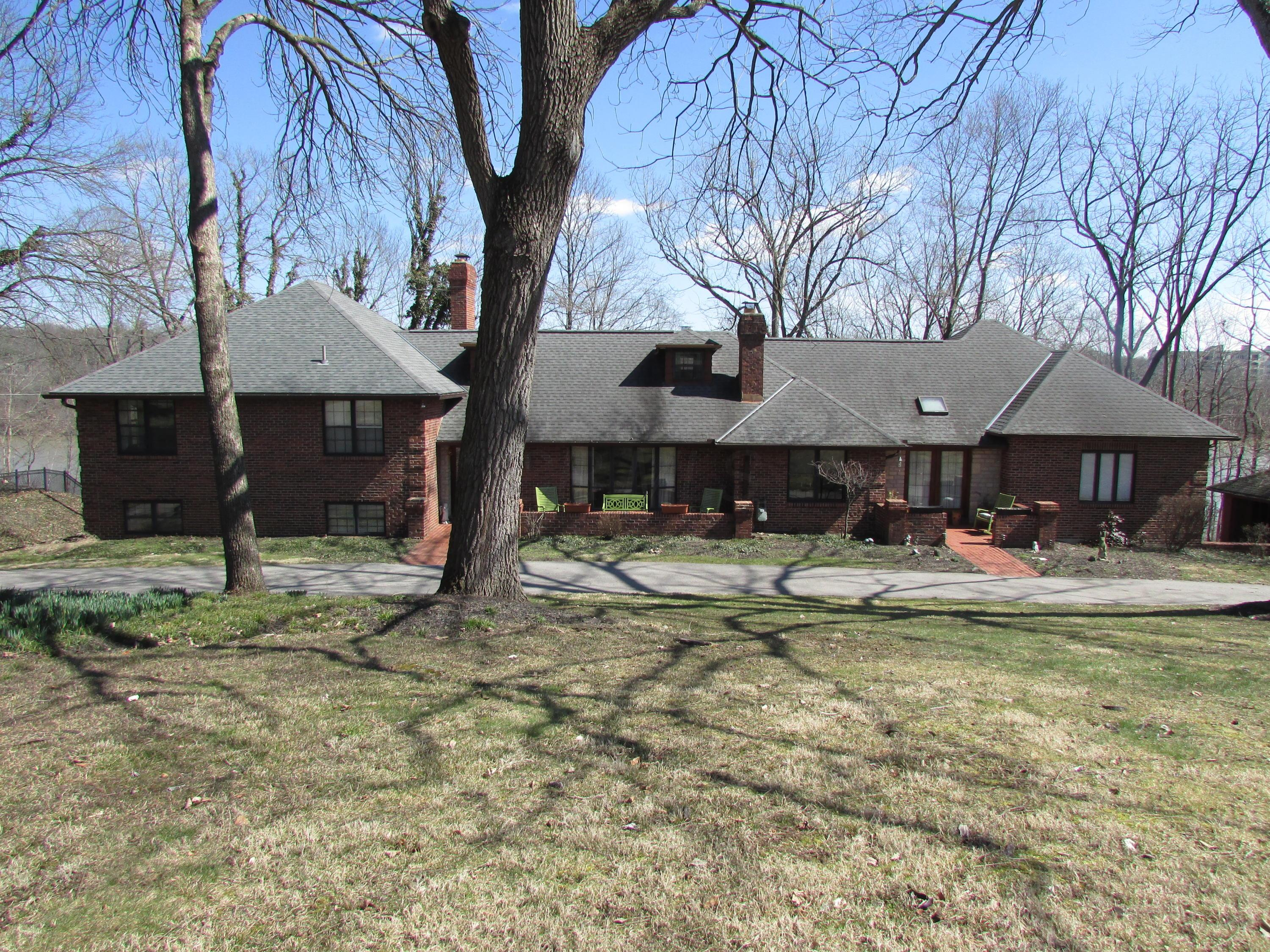5240 LOCUST HILL Lane Central Home Listings - RE/MAX Achievers Real Estate