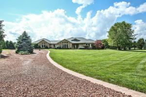 17977 Winchester Road, Ashville, OH 43103