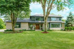 Property for sale at 2800 S Dorchester Road, Upper Arlington,  OH 43221