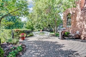 5833 Heron Court, Westerville, OH 43082