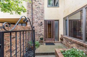2426 Sherwood Villa, Upper Arlington, OH 43221