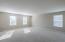 HUGE bonus room!!!