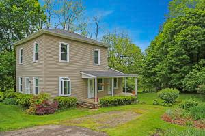 406 Chase Avenue, Gambier, OH 43022