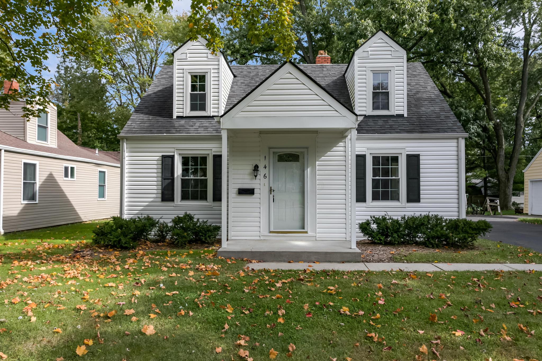 Phenomenal 146 Shull Avenue Gahanna Oh 43230 Ross Realtors Home Interior And Landscaping Dextoversignezvosmurscom