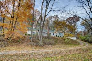 1635 Blue Jay Road, Heath, OH 43056