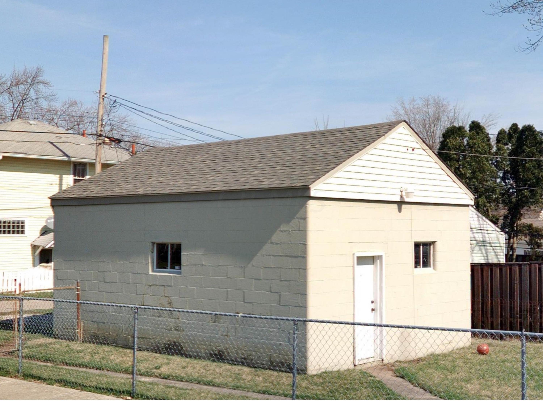 2642 Eakin garage (2)