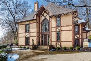 Property for sale at 242 Pinehurst Drive, Granville,  Ohio 43023