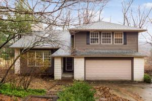 Property for sale at 220 Pinehurst Drive, Granville,  Ohio 43023