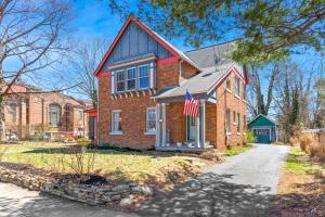 53 W College Avenue, Westerville, OH 43081