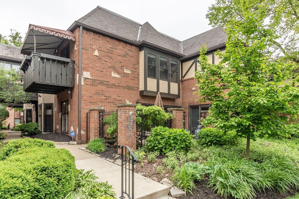 Photo of 1304 Fountaine Drive, Upper Arlington, OH 43221