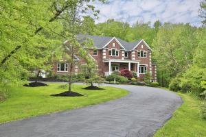 7696 Silver Lake Court, Westerville, OH 43082