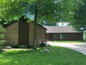 Property for sale at 210 Sylvan Circle, Circleville,  Ohio 43113