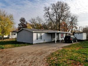 142 Stewart Avenue, Buckeye Lake, OH 43008