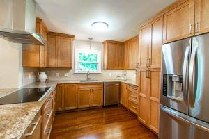 4248 Greensview Drive, Columbus, OH 43220