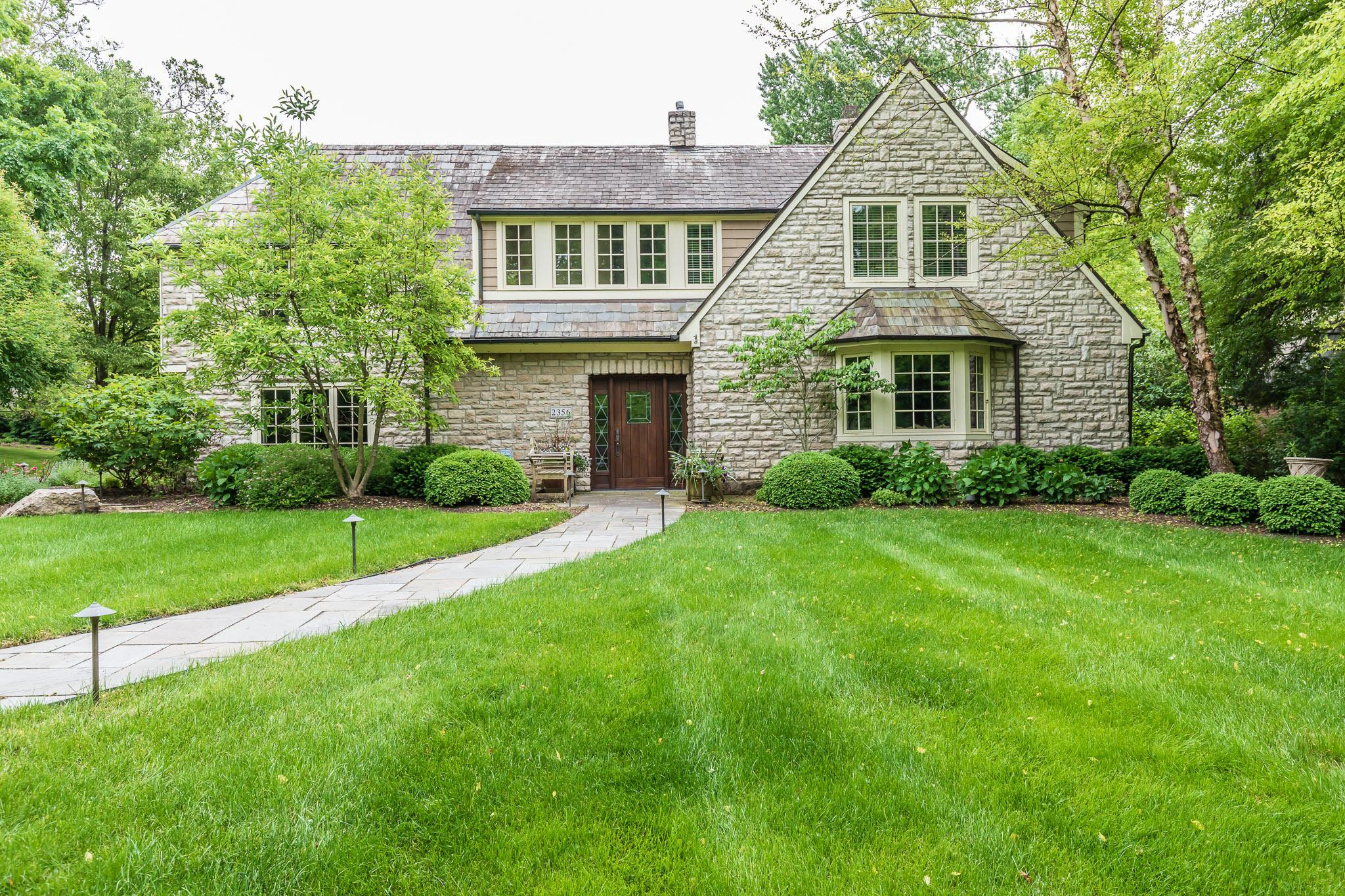 Photo of 2356 Oxford Road, Upper Arlington, OH 43221
