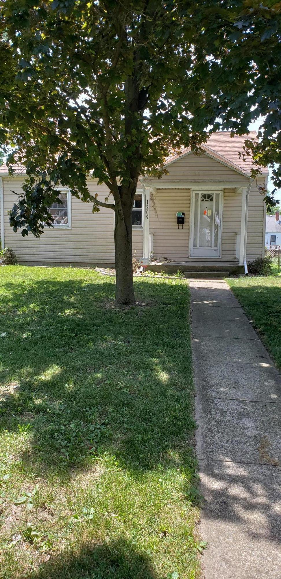 Photo of 1209 Manchester Avenue, Columbus, OH 43211
