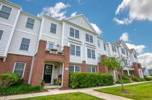 Immaculate 2 bedroom, 2.5 bath townhome in the desirable Albany Crossing development.