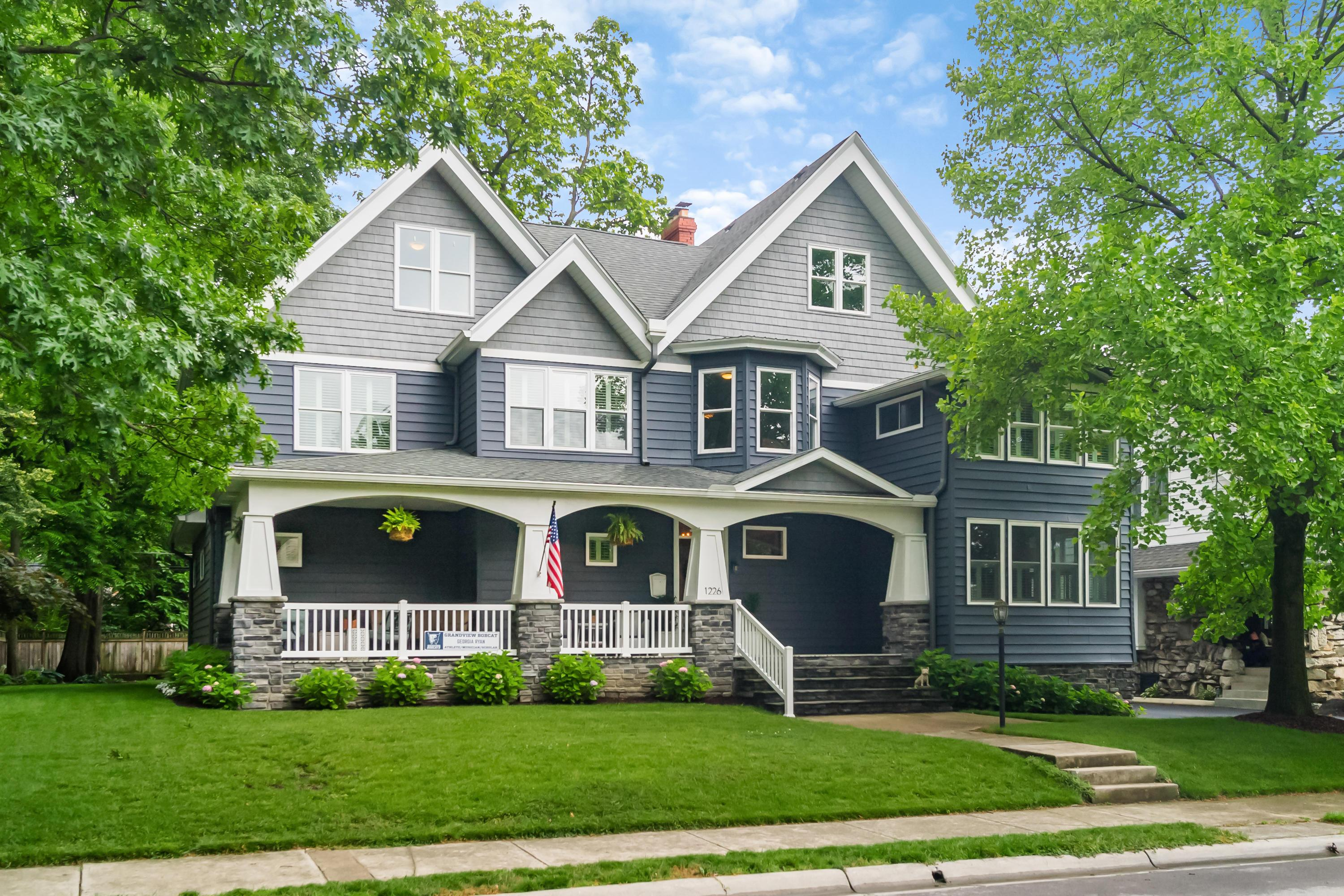 Photo of 1226 Lincoln Road, Grandview Heights, OH 43212