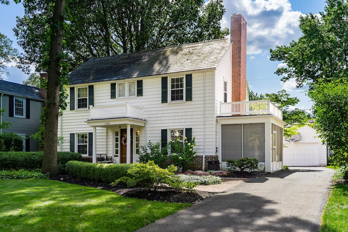 Photo of 2703 Henthorn Road, Upper Arlington, OH 43221