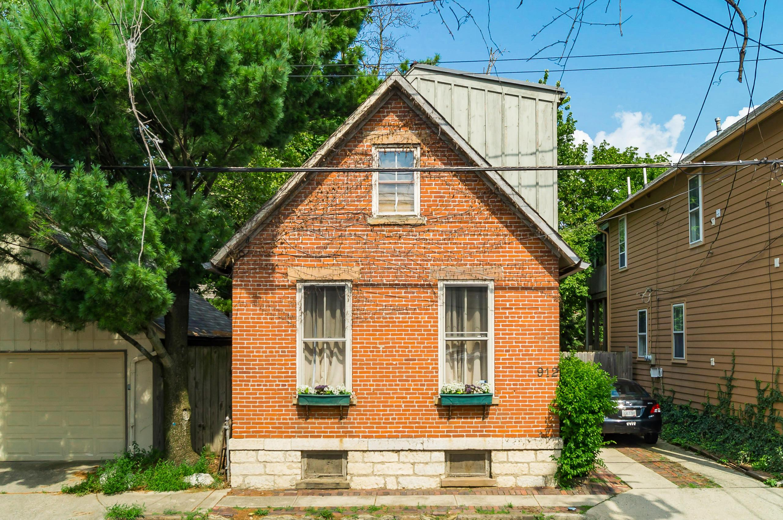 Photo of 912 Pearl Street, Columbus, OH 43206