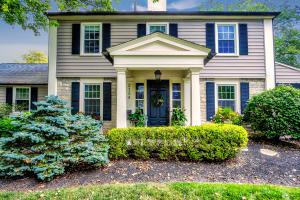 Welcome home to 2154 Tremont Rd in historic Upper Arlington!