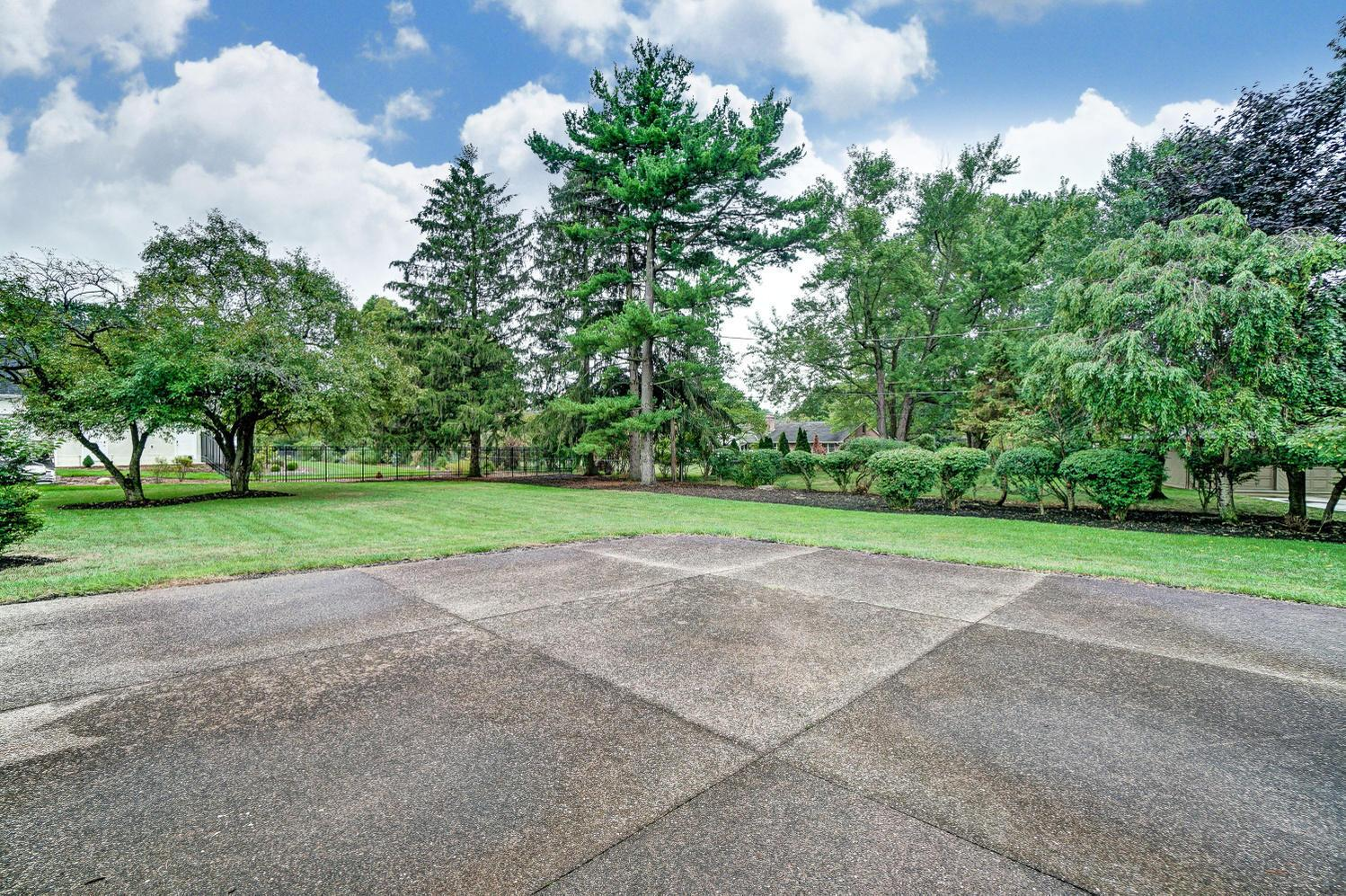 3781 Rushmore Drive, Upper Arlington, Ohio 43220, 4 Bedrooms Bedrooms, ,6 BathroomsBathrooms,Residential,For Sale,Rushmore,219033164