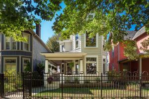 417 W 2nd Avenue, Columbus, OH 43201