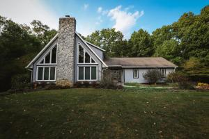 7000 Coonpath Road NW, Carroll, OH 43112